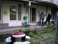 De tuin voor de aanpassingen